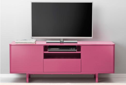 Розовый комод с дверцами