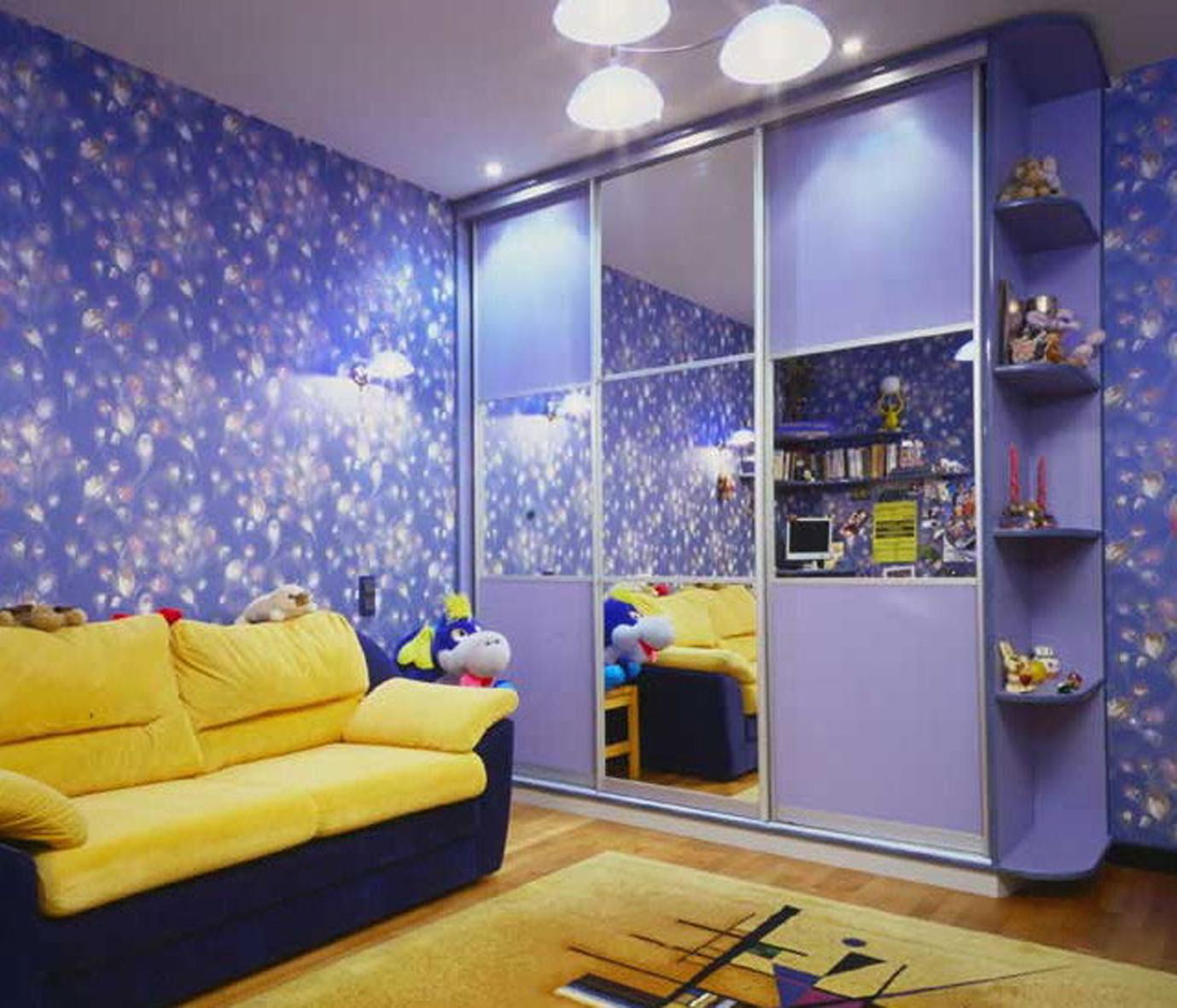 Синий шкаф