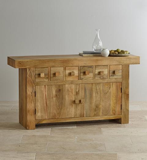 Узкий комод деревянный