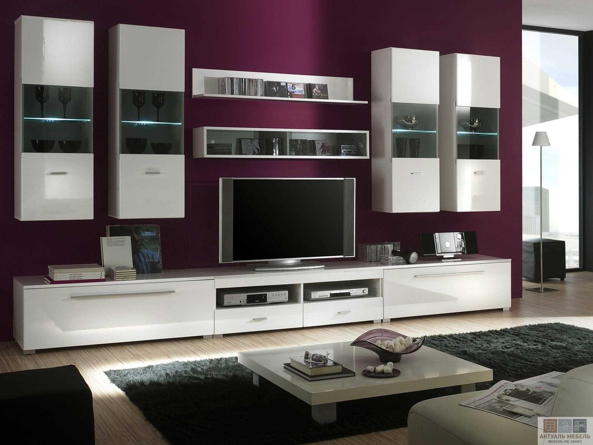 Белые шкафы в гостиную