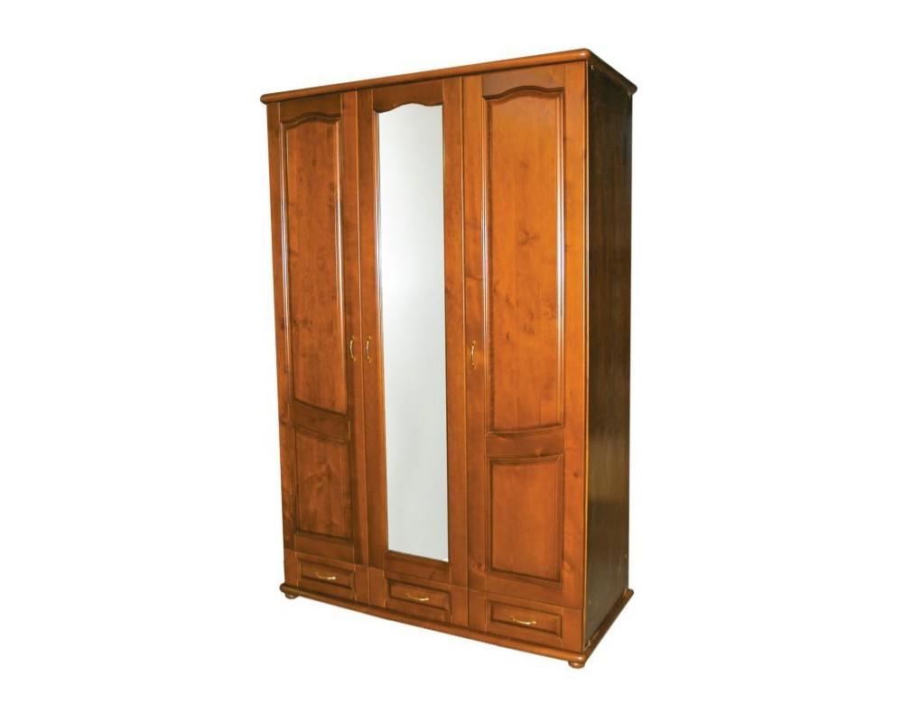 Деревянный шкаф