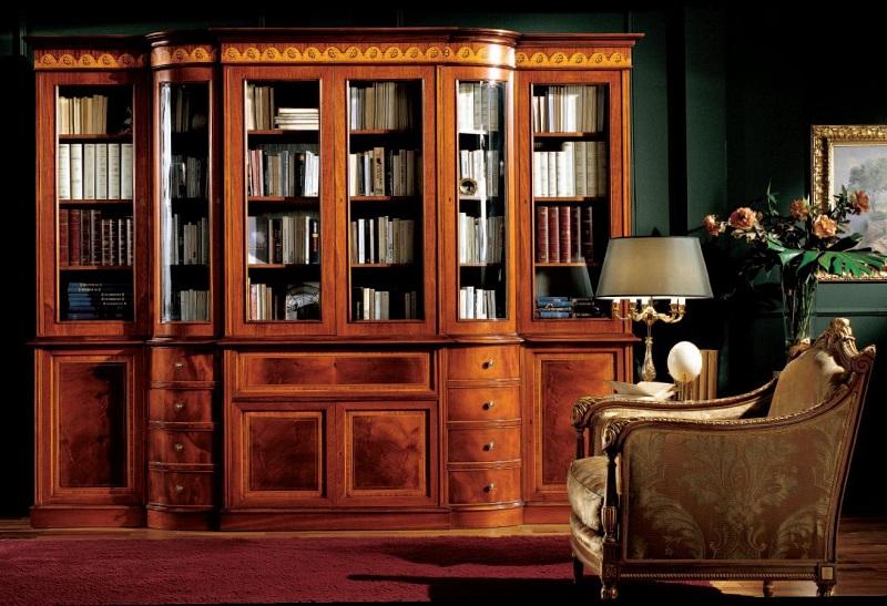 Деревянный шкаф для книг из массива