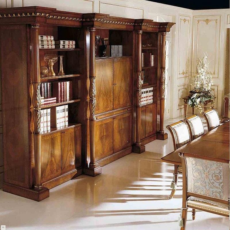 Деревянный шкаф из натурального массива