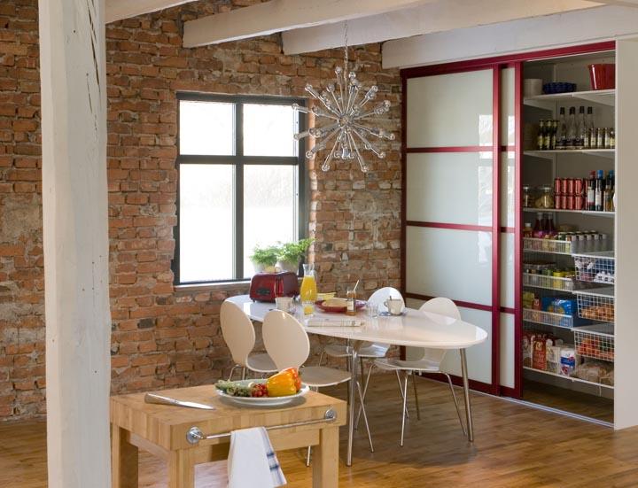Дизайн встроенного шкафа на кухню