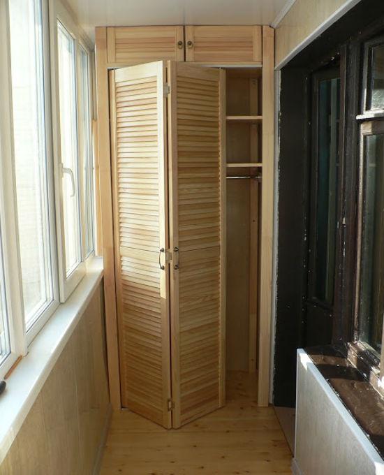 Дверь гармошка на балконе