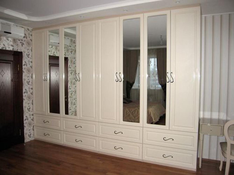 Какой шкаф лучше выбрать для спальни
