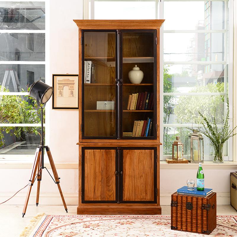 Книжный шкаф со стеклянным фасадом