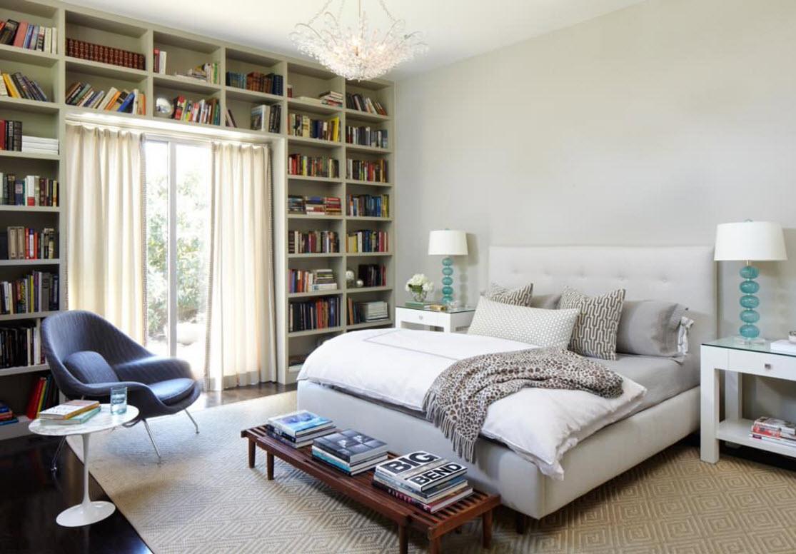 Книжный шкаф в спальне
