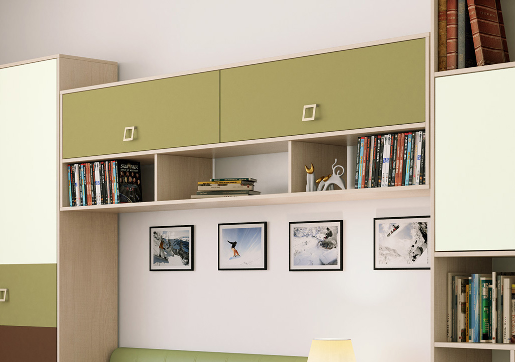 Навесной шкаф с полками для книг