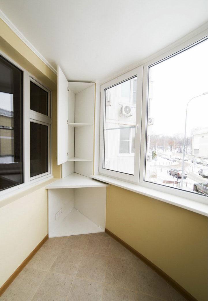 Угловой шкаф на балкон, как правильно подобрать и расположит.