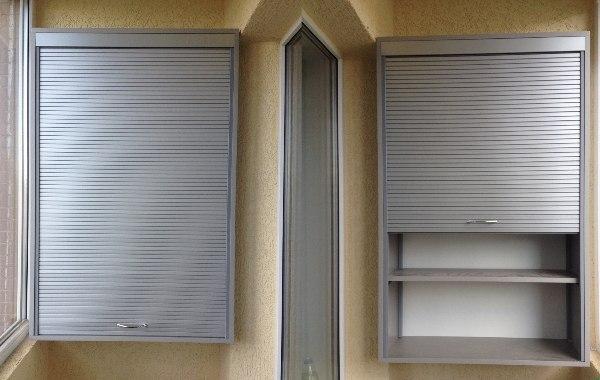 Подвесной шкаф на балконе