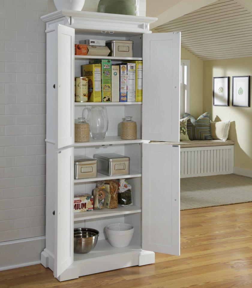 Шкаф – пенал изготовлен таким образом, что при процессах приготовления пищи добраться до техники очень легко