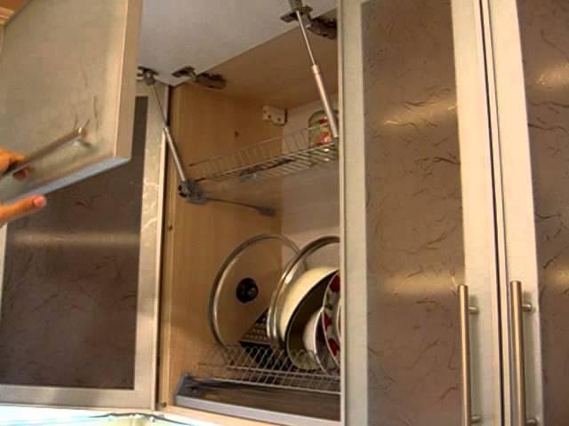 Шкаф с газлифтом