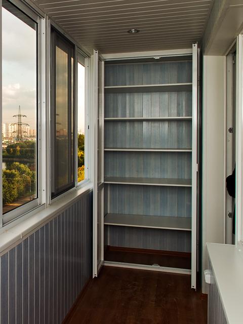 Обшивка балкона своими руками шкафы шкафчики полки фото.
