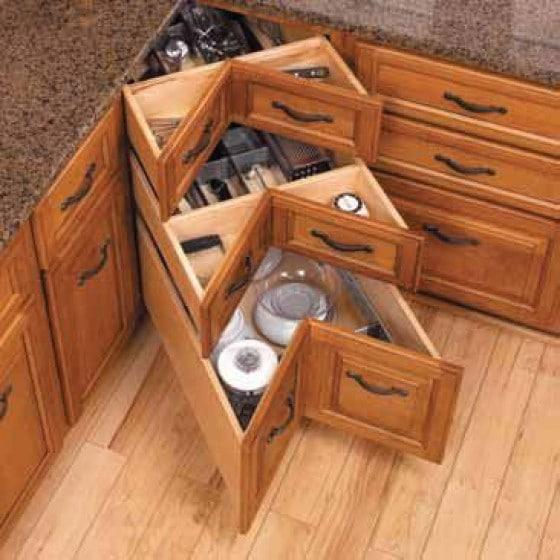 Шкафчик с выдвижными ящиками