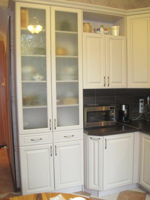 Шкафы кухонные из пластика