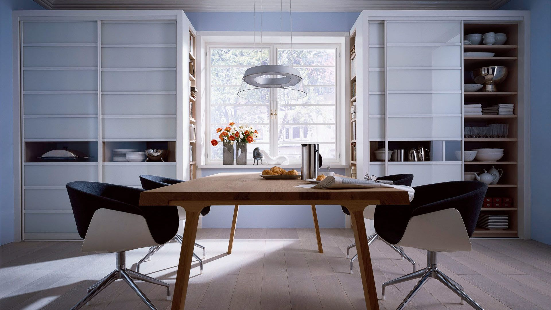 Шкафы купе в стильные кухни, какие бывают и как вписать в ин.