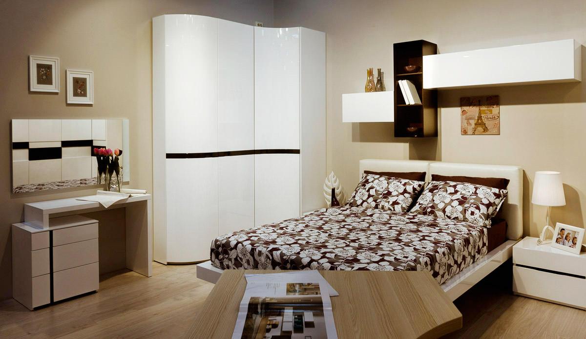 Спальня с угловым шкафом
