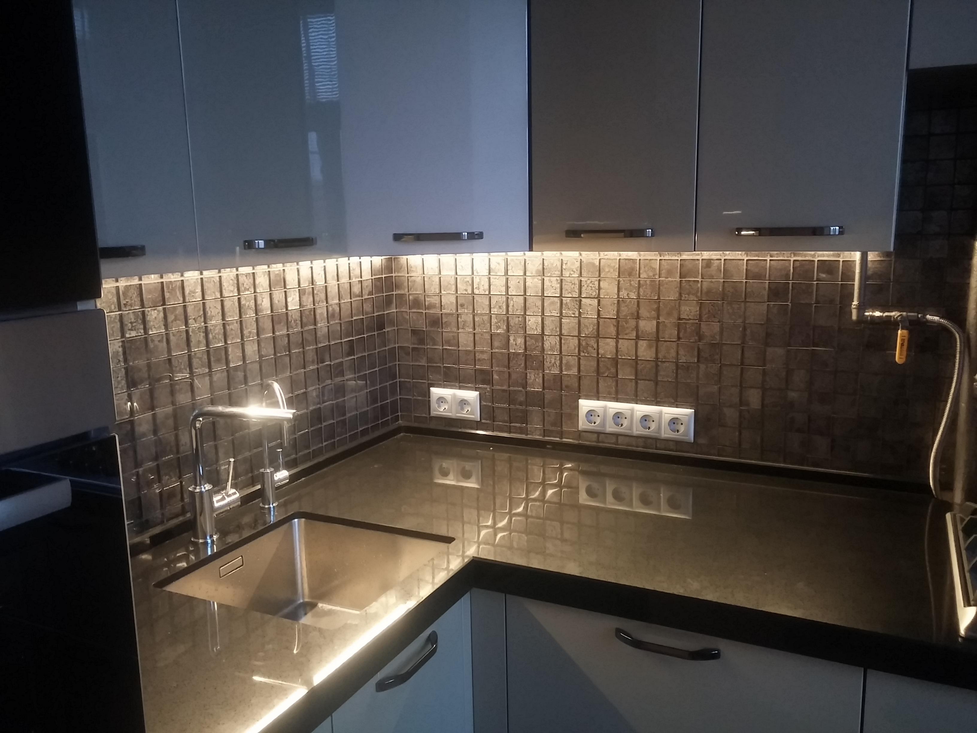 Светодиодная подсветка кухни и рабочей поверхности