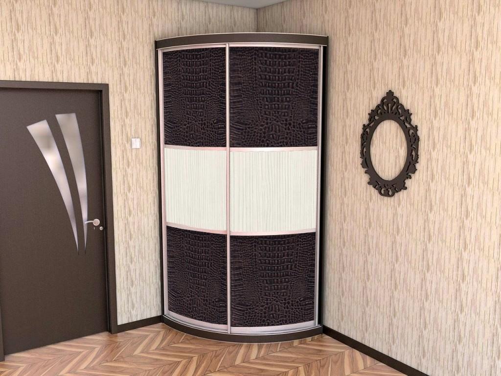 Угловой скругленный шкаф-купе для маленькой прихожей