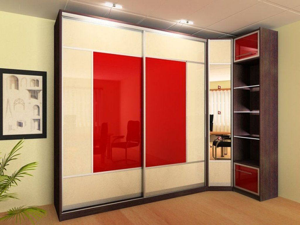 Угловой шкаф купе в гостиную, плюсы и минусы, варианты оформ.