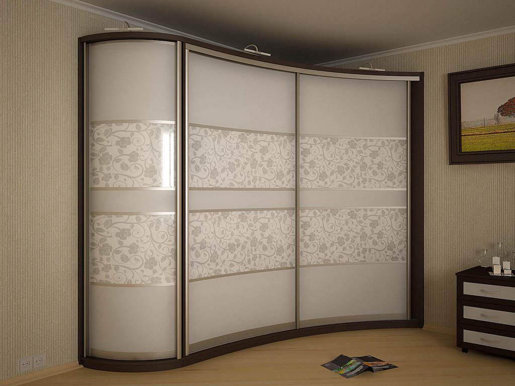 Встроенный радиусный шкаф