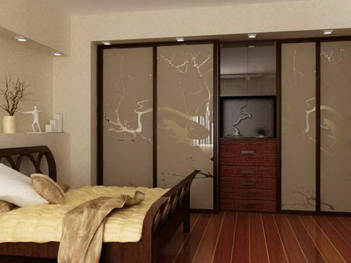 Встроенный шкаф купе в спальне