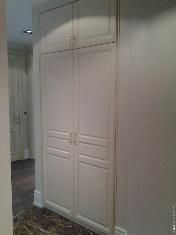Встроенный шкаф с глухой дверью