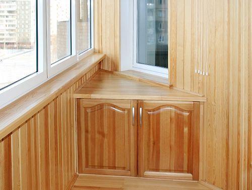 Угловой шкаф на балкон