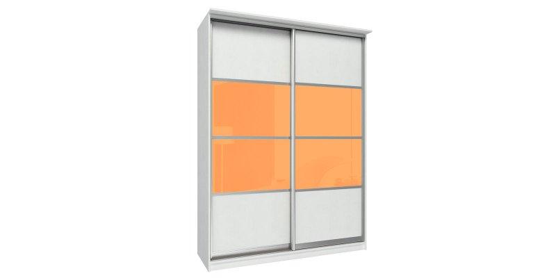 Белый шкаф с ярким фасадом