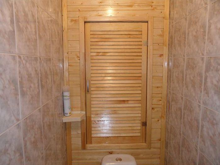 Деревянный сантехнический шкаф
