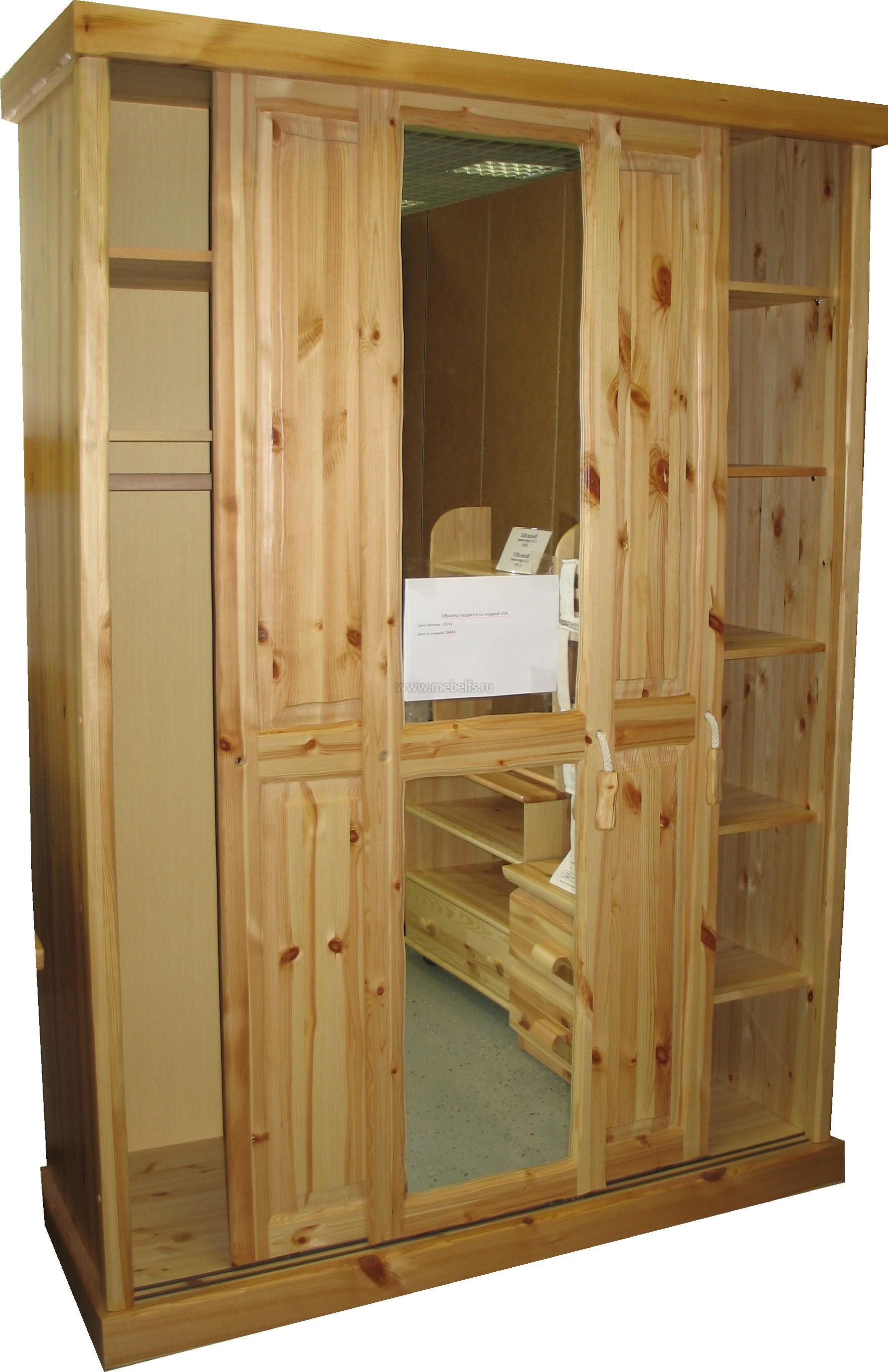 Деревянный шкаф три створки