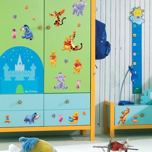 Детские, оформленные декоративными наклейками