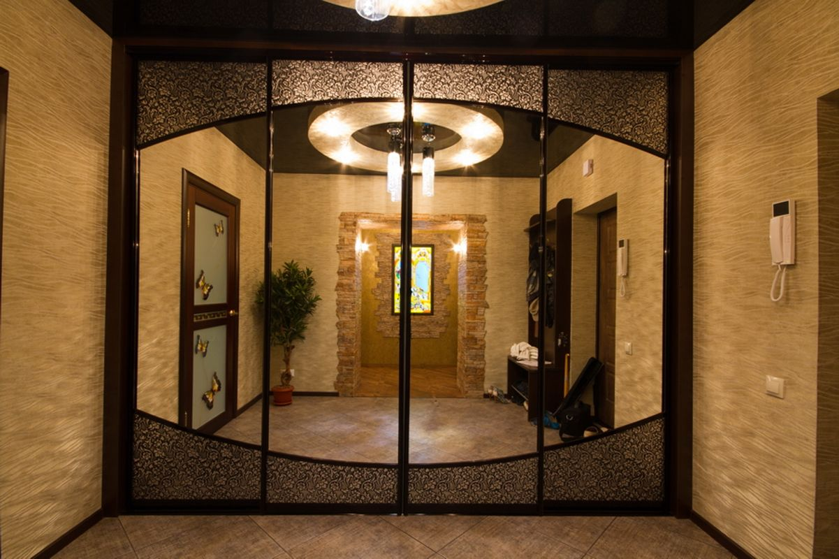 Форма зеркального фасада