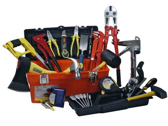 Инструменты для изготовления книжного шкафа своими руками