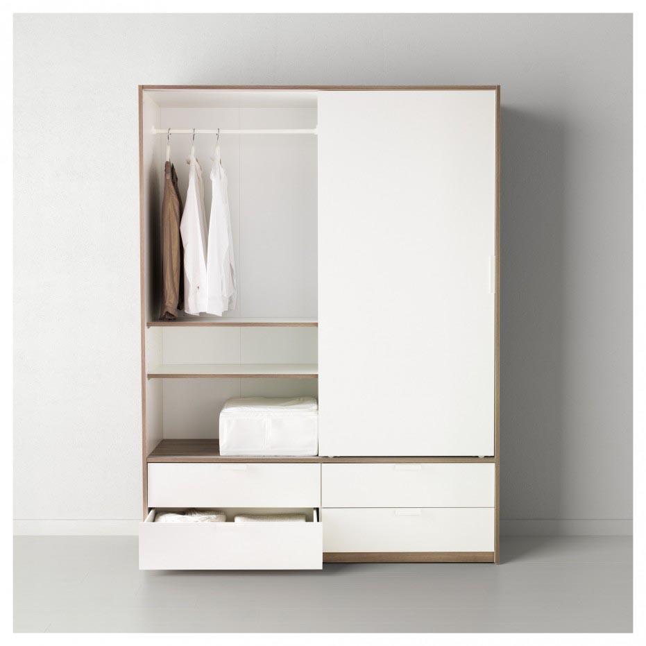 Корпусный белый шкаф