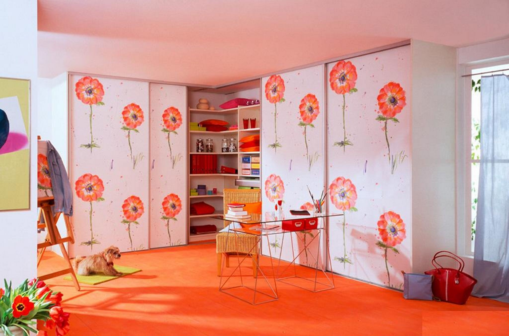 Красивое оформление шкафов в детской