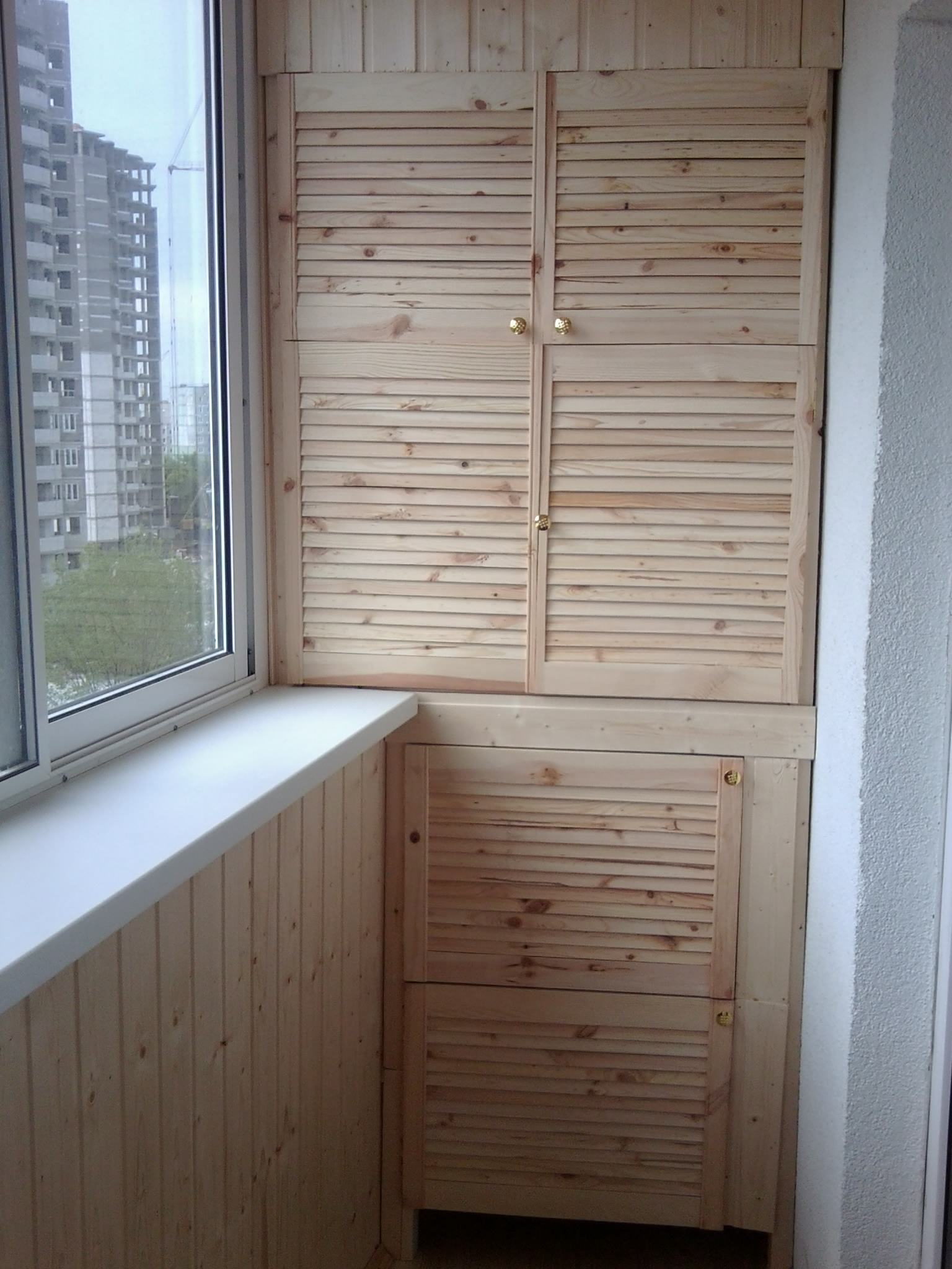Оформление фасада балконного шкафа