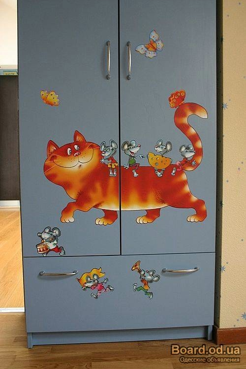 Оформление шкафа в детской