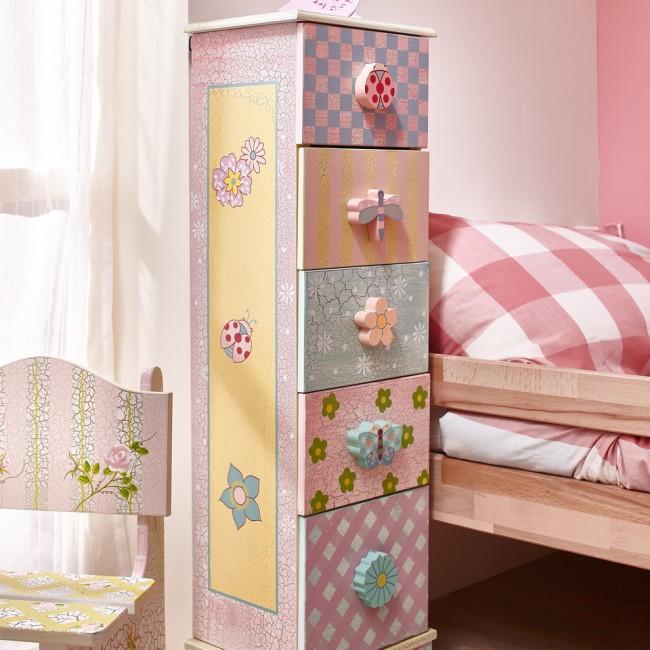Оригинальный детский комод станет изюминкой интерьера комнаты