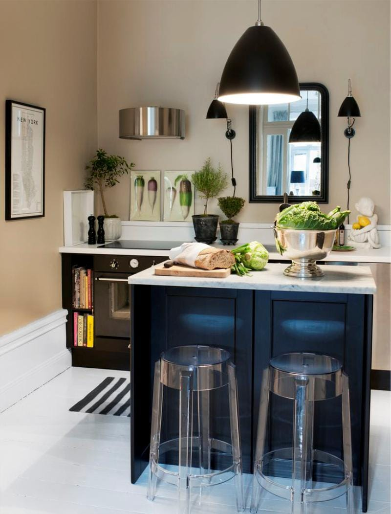 Островная планировка кухни без верхних шкафов