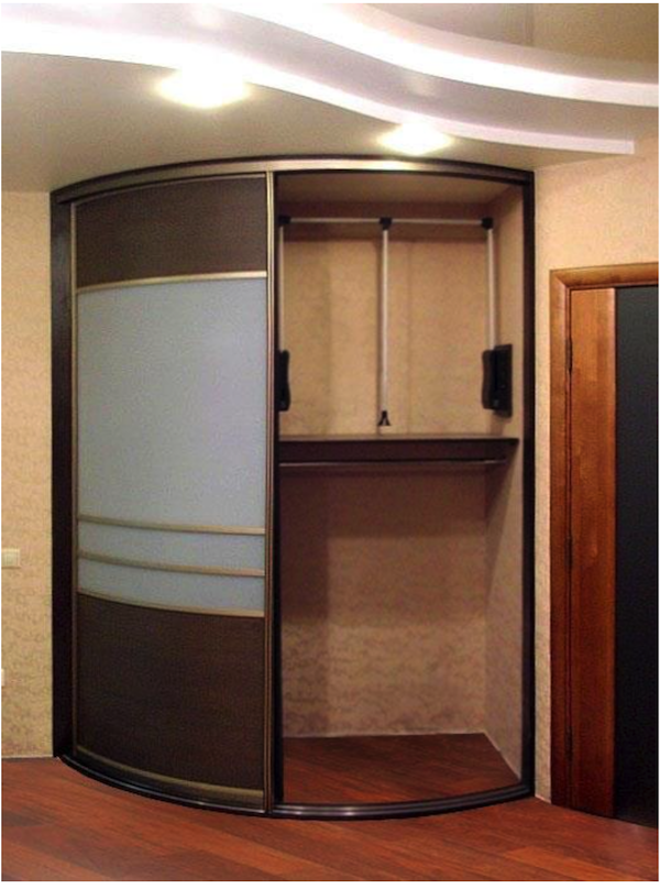 Встроенный угловой шкаф в прихожую: конструкции какой выбрат.