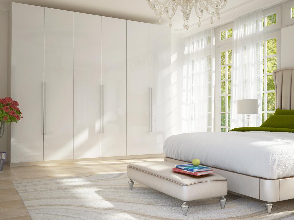 Распашной шкаф в белом цвете