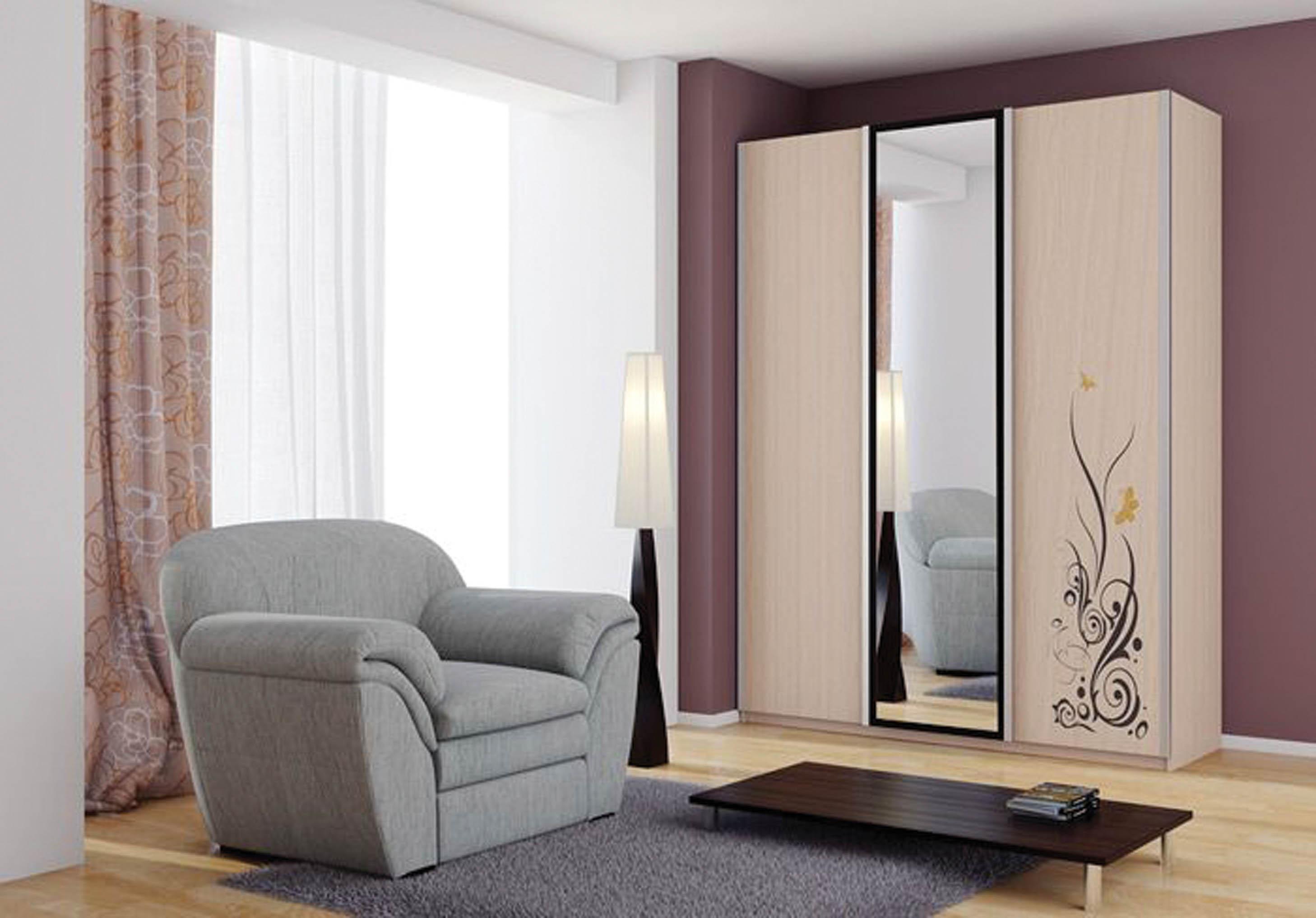 трехстворчатый шкаф купе с зеркалом особенности и варианты оформления
