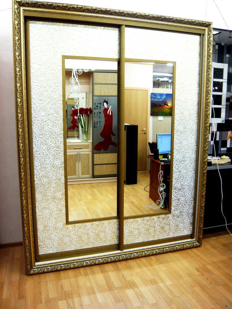 Шкаф купе двери как картина в багете