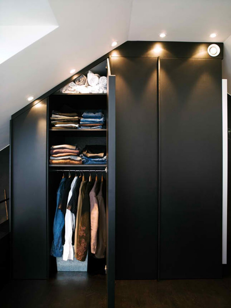 Шкаф оригинальной формы