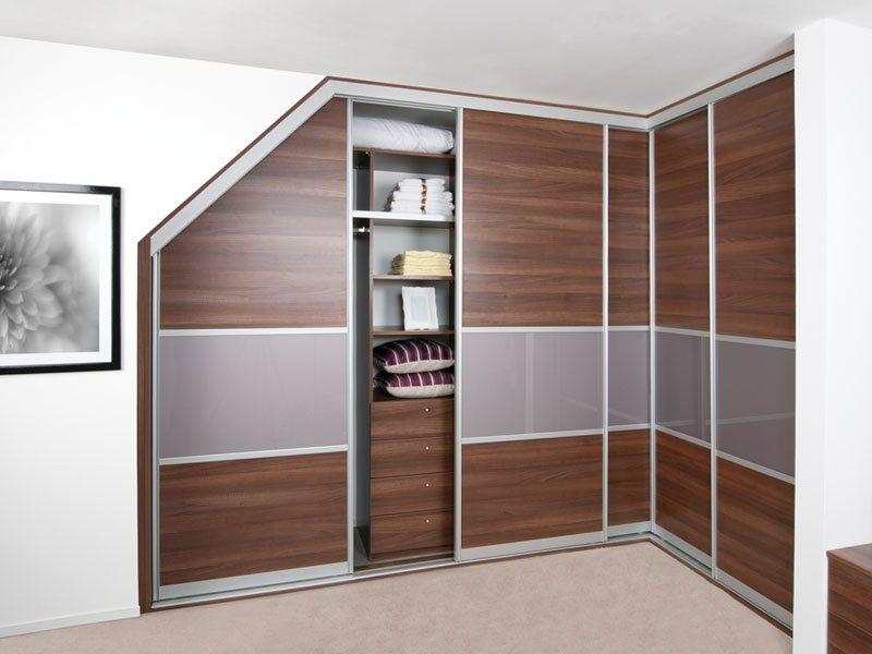 Шкаф с необычным фасадом