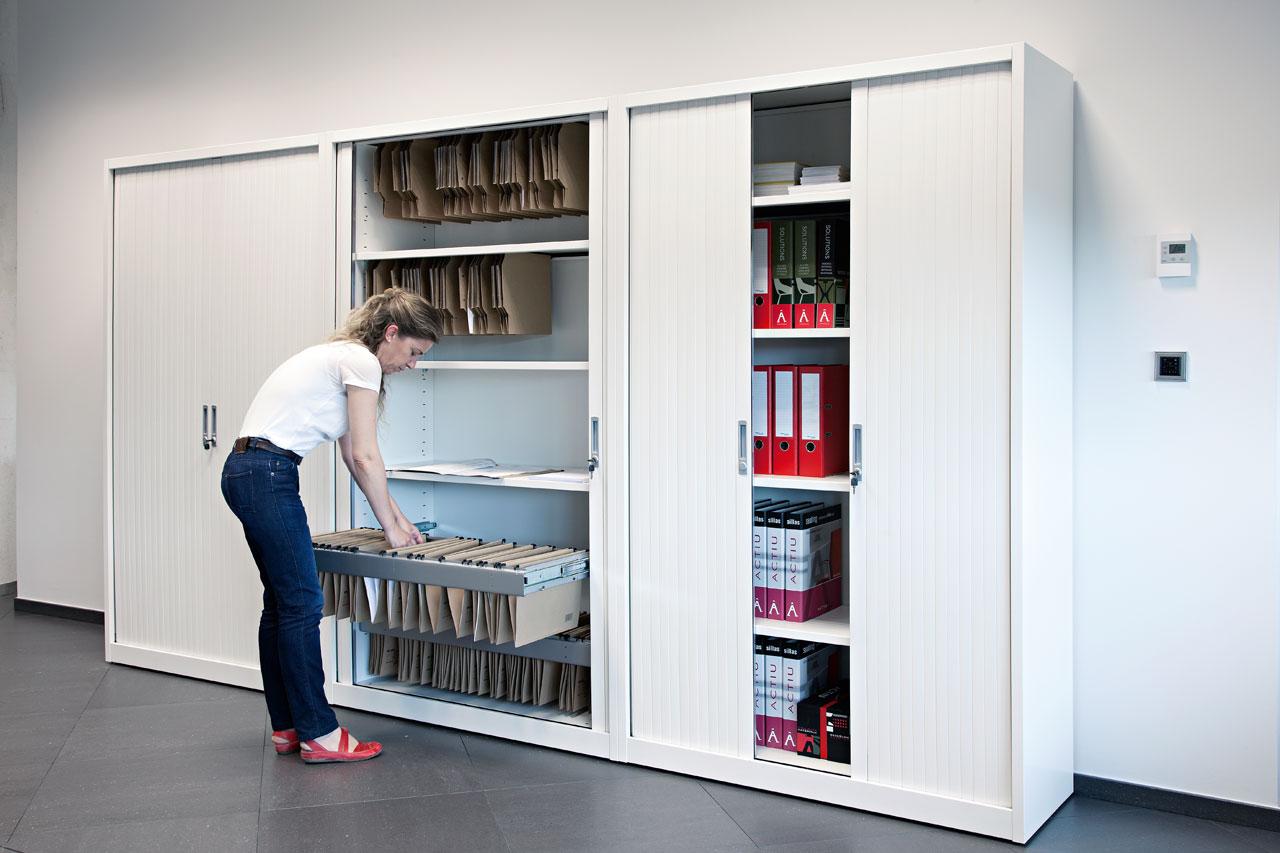 Шкаф с выдвижными ячейками