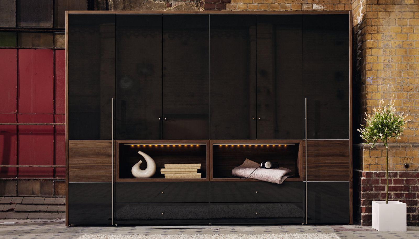 Шкаф в стиле модерн