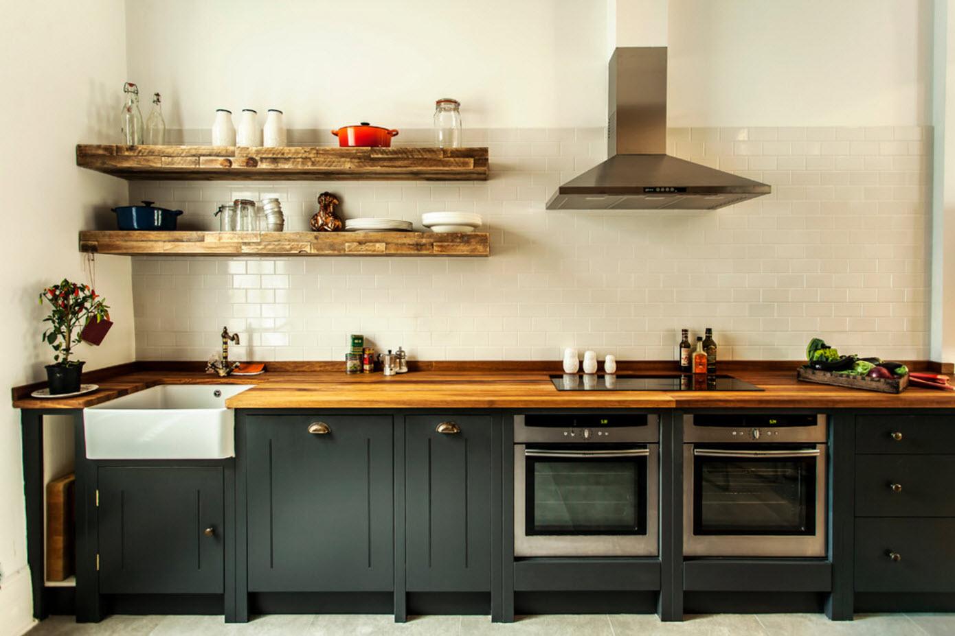 Темная мебель в кухне